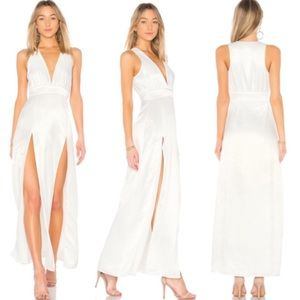 NWOT Lovers + Friends Naomi Gown Ivory White